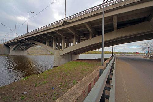 Спасский мост на МКАД в Москве