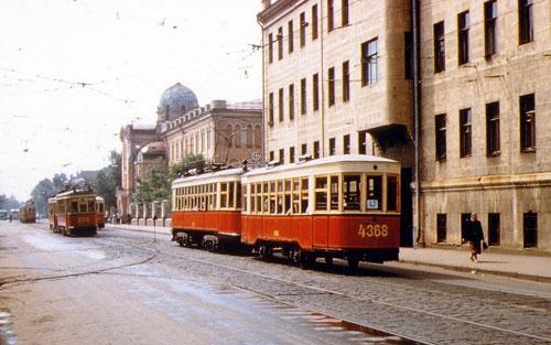 Улица 10-летия Октября в Москве