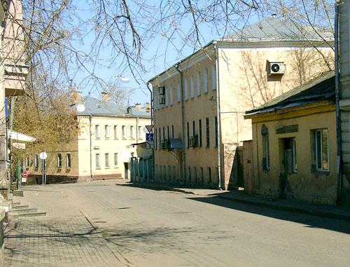 Первый Басманный переулок в Москве