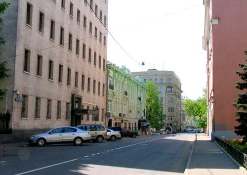 Леонтьевский переулок в Москве
