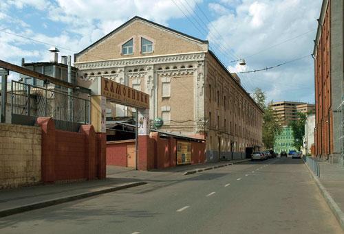 Улица Льва Толстого в Москве