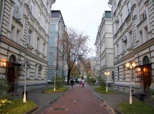 Петровский переулок в Москве