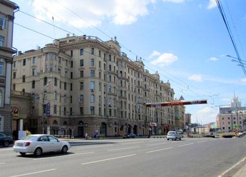 Садовая-Триумфальная улица в Москве