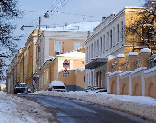 Большой и Малый Трехсвятительский переулок в Москве