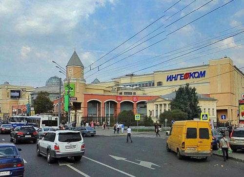 Площадь Земляной Вал в Москве