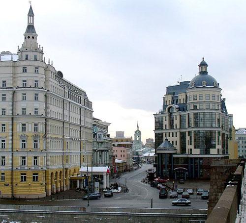 Улица Балчуг в Москве