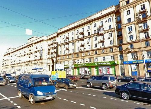 Садовая-Черногрязская улица в Москве