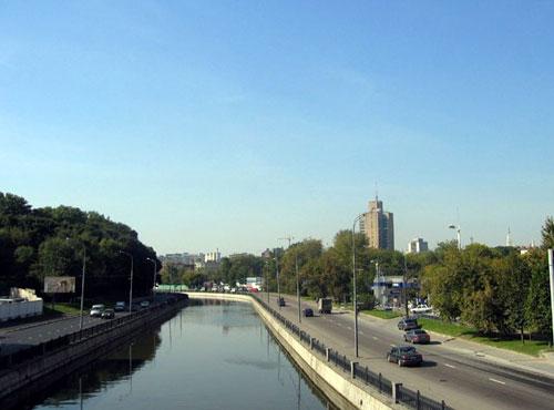 Набережная Академика Туполева в Москве