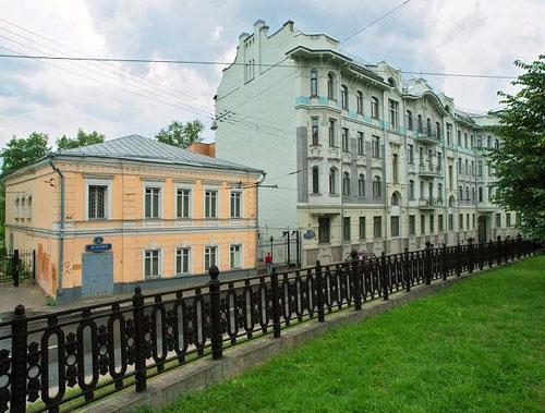 Яузский бульвар в Москве